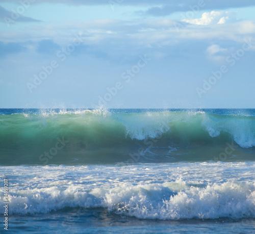 Foto auf Gartenposter Wasser breaking waves