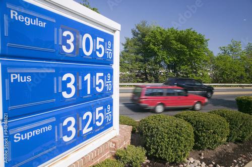 Fotografie, Obraz  Gas prices over $3