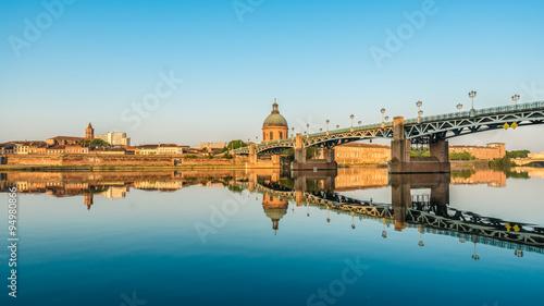 In de dag Brug The Saint-Pierre bridge in Toulouse, France.