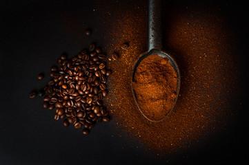 Naklejka caffè macinato e chicchi di caffè