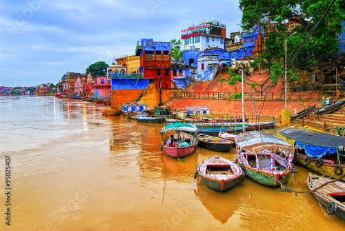 Spoed Foto op Canvas India View of Varanasi on river Ganges, India
