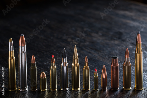 Fotografía Number of large-caliber ammunition with different caliber