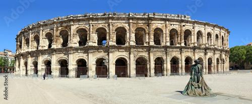 Les arènes de Nîmes et le toréador