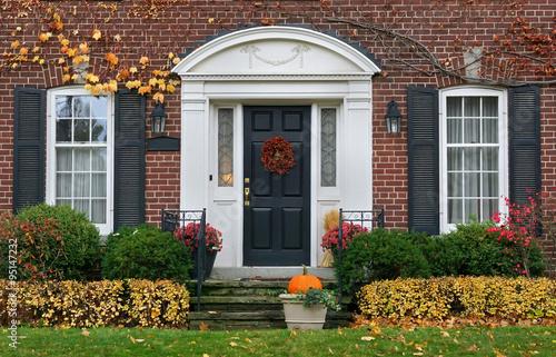 Fotografie, Obraz  Dům přední dveře na podzim