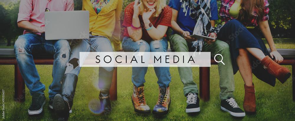 Fototapety, obrazy: Social Media Network Web Online Internet Concept