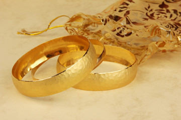 Fototapeta Do jubilera gold bracelets