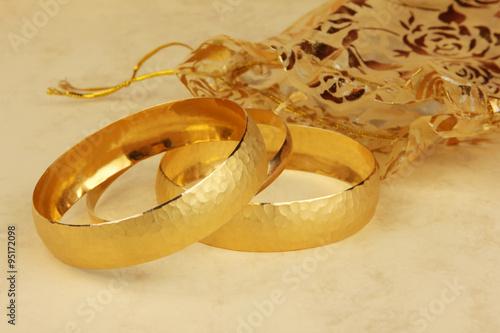 gold bracelets - 95172098