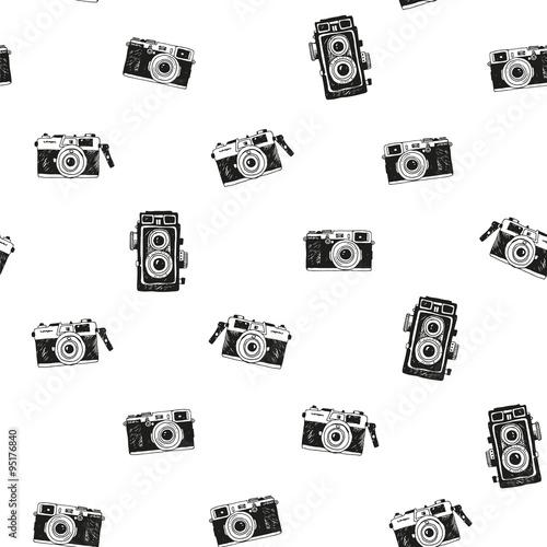 bezszwowe-tlo-z-recznie-rysowane-zabytkowe-aparaty-fotograficzne