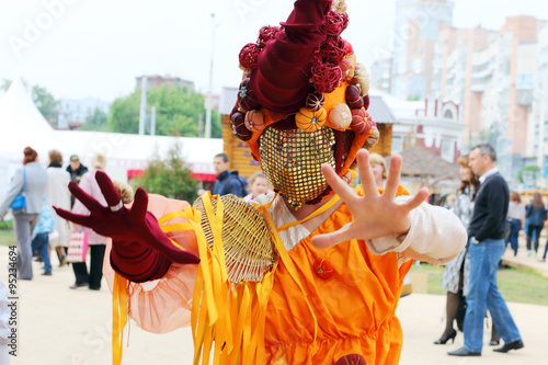 Papiers peints Carnaval PERM, RUSSIA - JUN 15, 2014: Woman in unusual mask poses