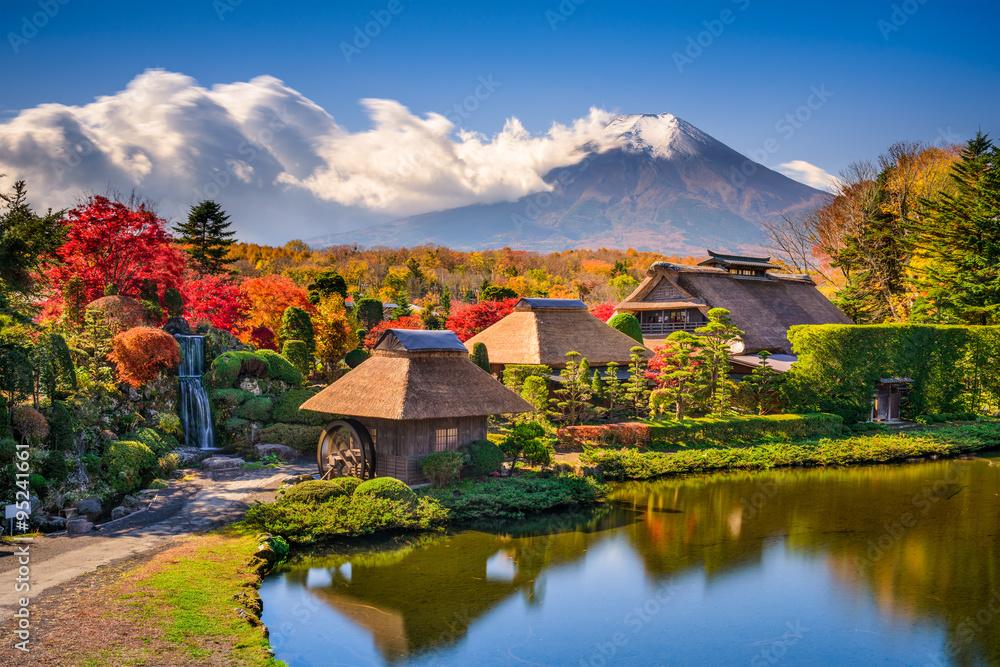 Fototapeta Mt. Fuji and Traditional Village in Oshinohakkai, Japan.