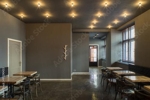 Fotografía  Interior of restaurant. Wooden design.