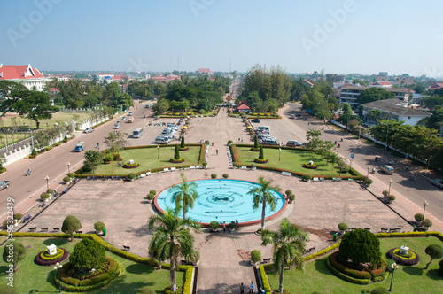 Foto  View of the city from Patuxai Gate in Vientiane