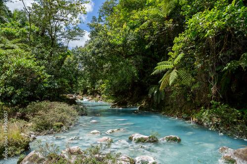 Cadres-photo bureau Bestsellers der türkise Fluss Rio Celeste in Costa Rica im Dschungel