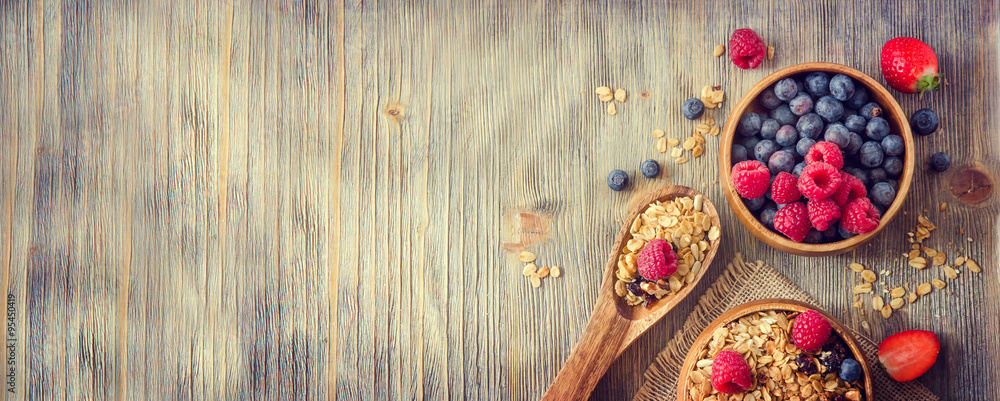 Fototapety, obrazy: Fresh healthy breakfast with granola and berries, copy space rus