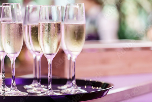 Photo  champagne glasses
