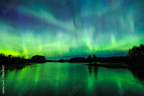 Poster Aurore polaire Northern lights (Aurora borealis) in the sky