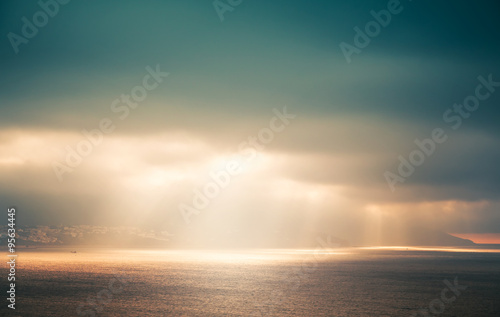 Fotografia, Obraz  Atlantic ocean landscape, evening sunlight in sky