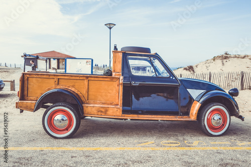 Papel de parede citroen 2cv pick up