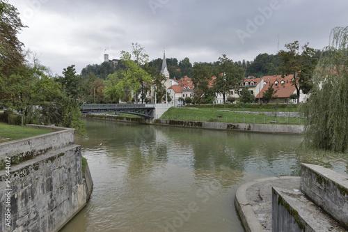 Foto auf AluDibond Stadt am Wasser Confluence of Ljubljanica and Gradascica rivers in Ljubljana