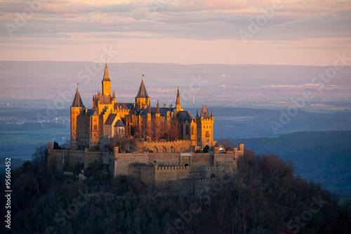 Burg Hohenzollern im Morgenlicht / Schwäbische Alb #95660452
