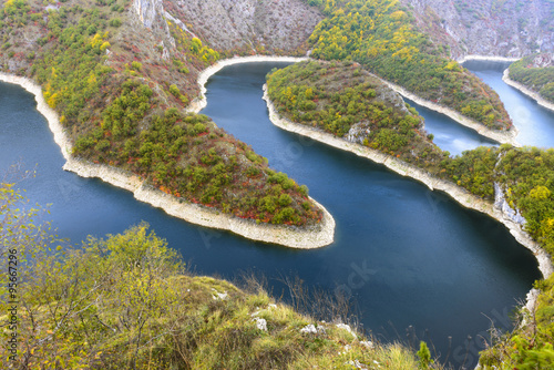 Foto auf Gartenposter Fluss Meander of the Uvac river, Serbia