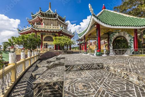 Foto op Plexiglas Bedehuis Pagoda and dragon sculpture of the Taoist Temple in Cebu, Philip