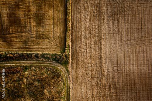 widok-z-lotu-ptaka-jesien-rolniczy-pole
