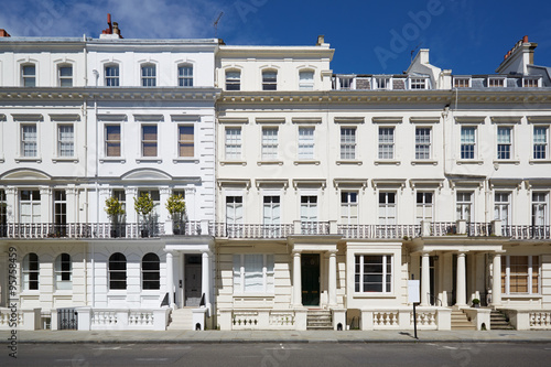 Photo  White luxury houses facades in London, Kensington and Chelsea