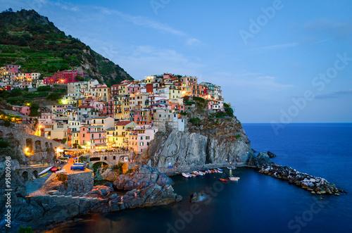 Fotobehang Liguria Manarola, Cinque Terre (Italian Riviera, Liguria) at twilight