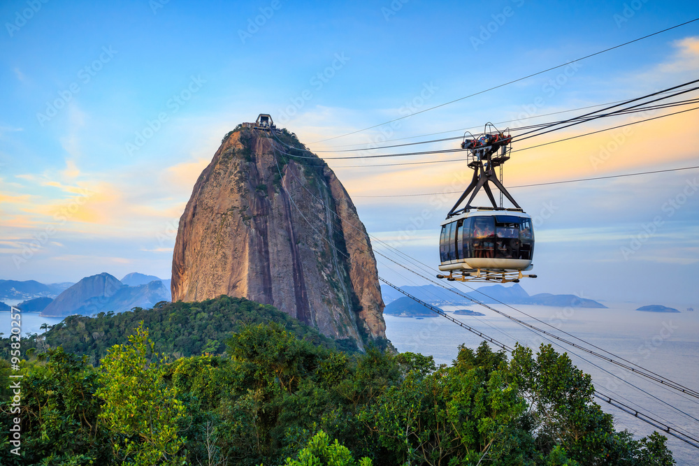 Fototapety, obrazy: Cable car and  Sugar Loaf mountain