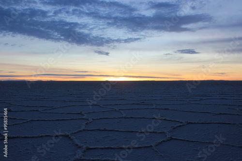 Fotografía  Sunrise in Uyuni, Bolivia