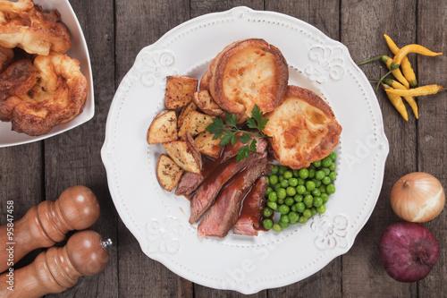Fotografia Sunday roast with yorkshire pudding