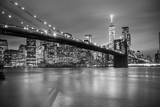 Fototapeta Nowy York - Brooklyn bridge at dusk, New York City.