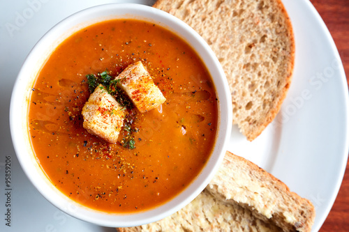 Tomato soup and croutons Fototapet