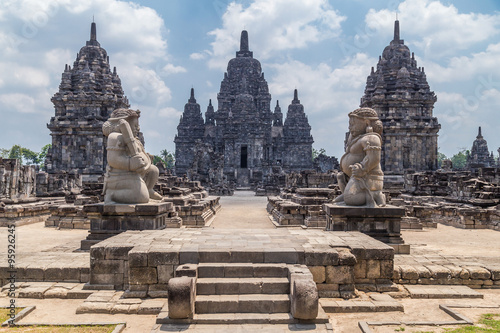 Photo  Candi Sewu, part of Prambanan Hindu temple,  Indonesia