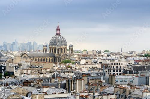 Papiers peints Paris Saint-Augustin Church with La Defense in The Background