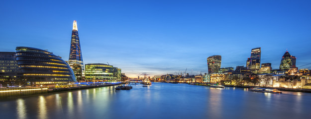 FototapetaPanoramic view of london skyline