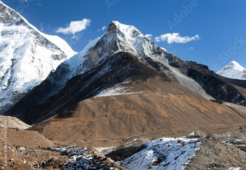 Valokuva View of Island peak or Imja Tse