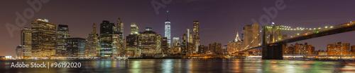 Foto auf AluDibond Brücken Manhattan waterfront at night, New York City, USA