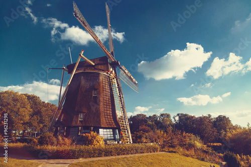 Poster Molens windmill turns Netherlands