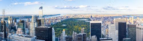 Fototapeten New York Scenes of the New York city skyline at dusk