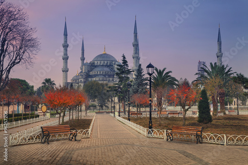 Poster Moyen-Orient Istanbul. Image of the Blue Mosque in Istanbul, Turkey during sunrise.