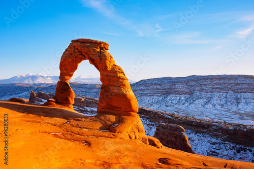 Fotobehang Natuur Park Delicate Arch at sunset in snow season, Arches National Park, Utah
