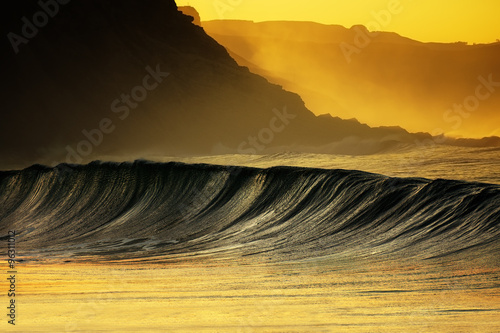 Stickers pour portes Eau wave breaking at sunset in Azkorri