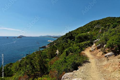 Foto op Plexiglas Cyprus Sardinien - Wanderweg zur Pedra Longa