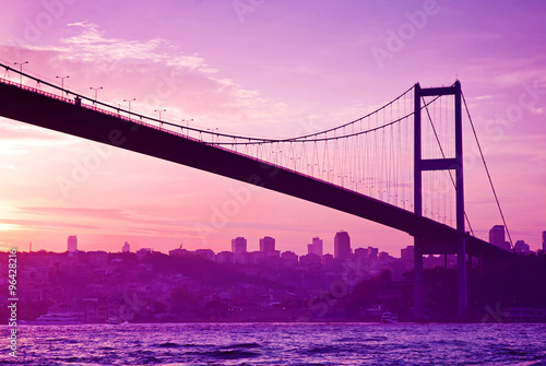 Fotobehang Candy roze Bosphorus Bridge in Istanbul at sunset.Turkey