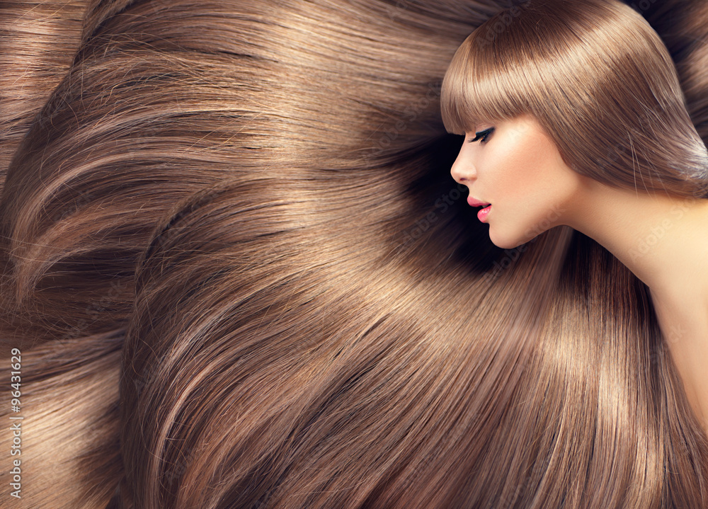 Fotografie, Obraz  Krásné vlasy. Krása ženy s dlouhými vlasy lesklé jako pozadí