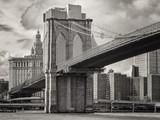 The Brooklyn Bridge and the lower Manhattan skyline in New York - 96465432