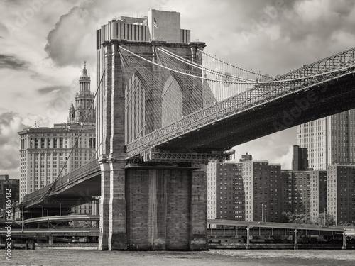 most-brooklinski-i-dolna-panorame-manhattanu-w-nowym-jorku