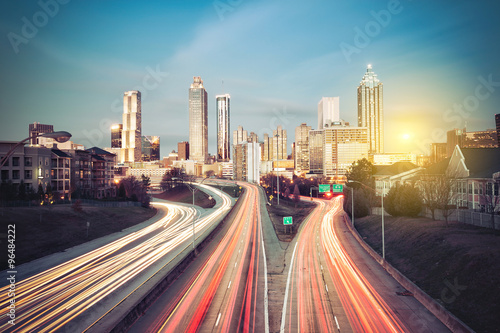 Plakat Atlanta linia horyzontu przy pogodnym rankiem